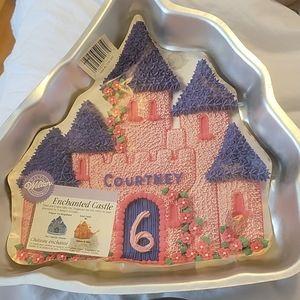 Wilton Vintage Enchanted Castle Cake Pan